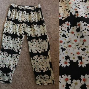 Anthropologie floral trousers 💕